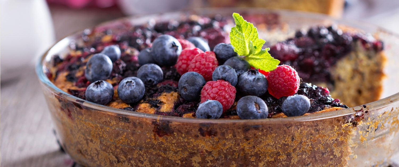 Banana and berry cake